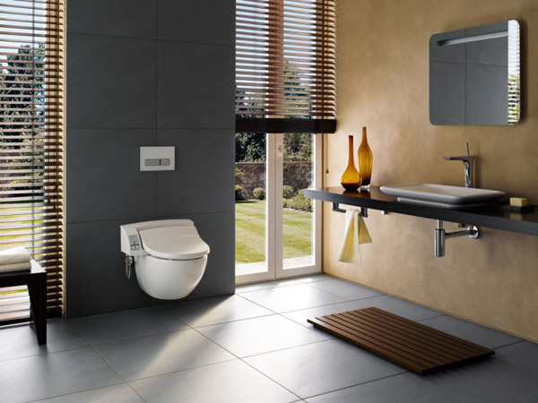 wc japonais aquaclean 5000plus de geberit. Black Bedroom Furniture Sets. Home Design Ideas
