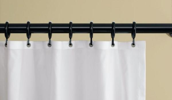 rideaux de douche et tringles de rideaux pour un espace. Black Bedroom Furniture Sets. Home Design Ideas