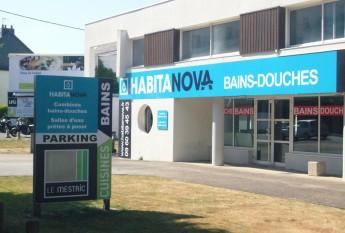 Nouvel enseigne du showroom Habitanova à Vannes